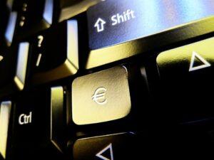 Še dva nova vavčerja SPS: digitalna strategija in kibernetska varnost